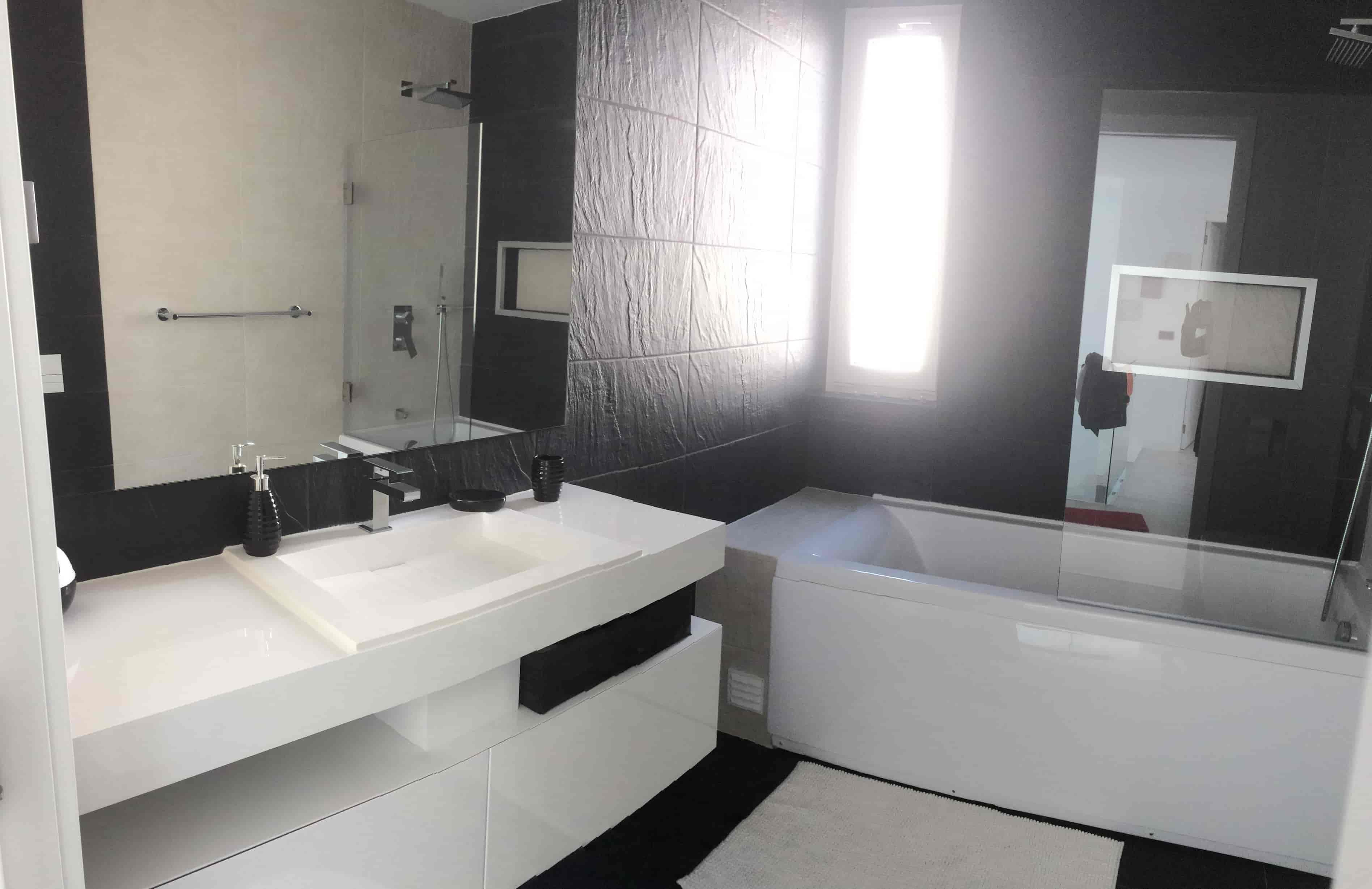 Salle de bain principale de notre maison au Portugal à Aroeira
