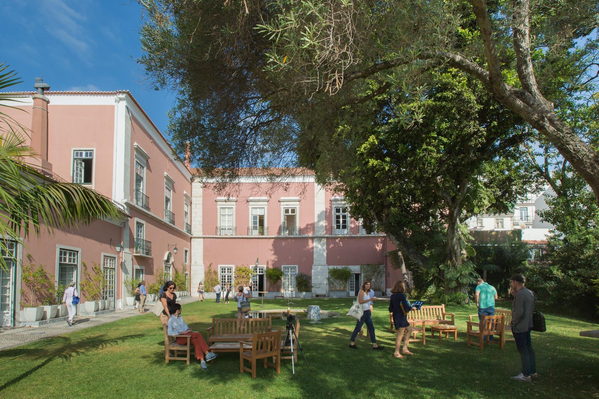entreprendre au portugal r cit d 39 une journ e l 39 ambassade de france. Black Bedroom Furniture Sets. Home Design Ideas